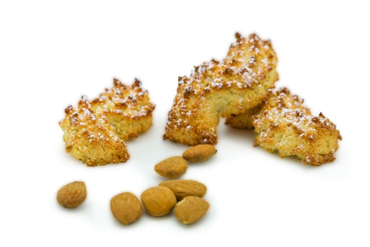 pasta riccia biscotto morbido di mandorla tipico dolce siciliano pasticceria Angelo Inglima